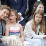 Märtha Louise ja tyttäret Emma. Leah ja Maud juhlimassa kuningatar Sonjan 80-vuotispäiviä kesällä 2017.