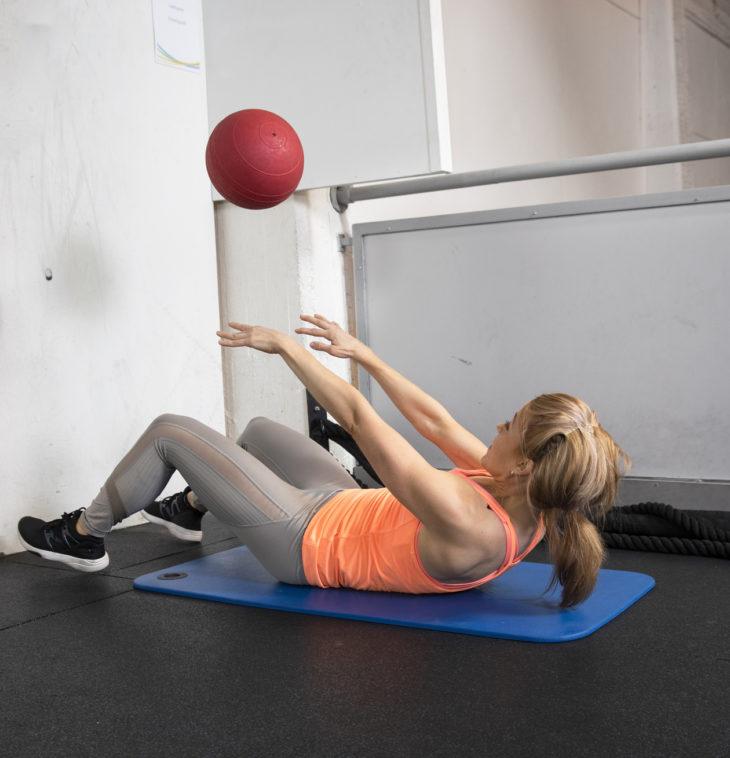 Lopeta LIIT-treeni heittelemällä palloa seinään.