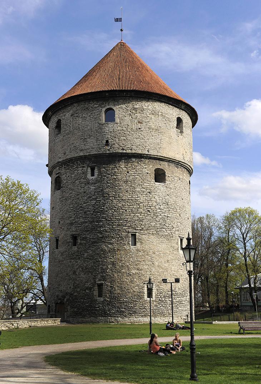 Kiek in de Kök -tornin museo on kurkistus Tallinnan historiaan ja keskiaikaan.