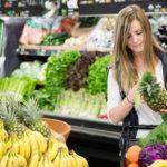 Huhtikuun satokausituotteiseen lukeutuu muun muassa ananas ja banaani.