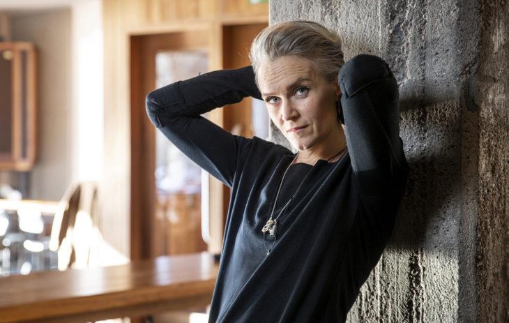 Sisäinen ääni on saanut Kristiina Komulaisen tekemään rohkeita ratkaisuja nuoresta asti. Parikymppisenä hän erosi jehovantodistajista.