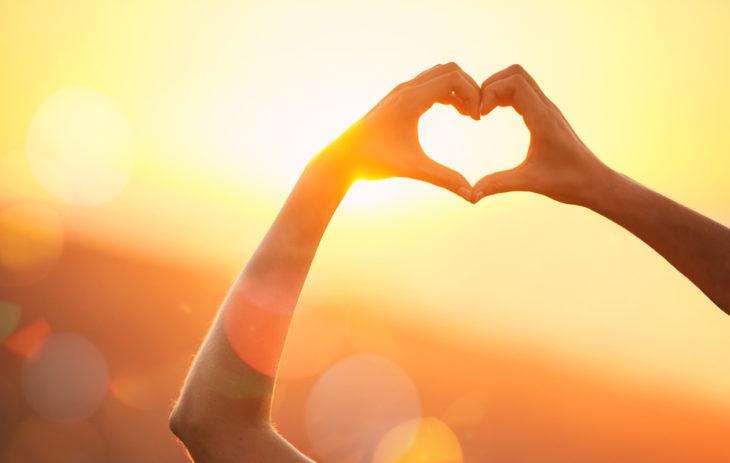 – Onnelliset ihmiset osaavat arvostaa sitä, mitä heillä jo on, sanoo maailman tunnetuin onnellisuustutkija, Stanfordin yliopiston tutkimusjohtaja ja psykologian tohtori Emma Seppälä sanoo.