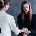 Tärkeintä terapiassa on terapeutin ja asiakkaan välinen vuorovaikutus.
