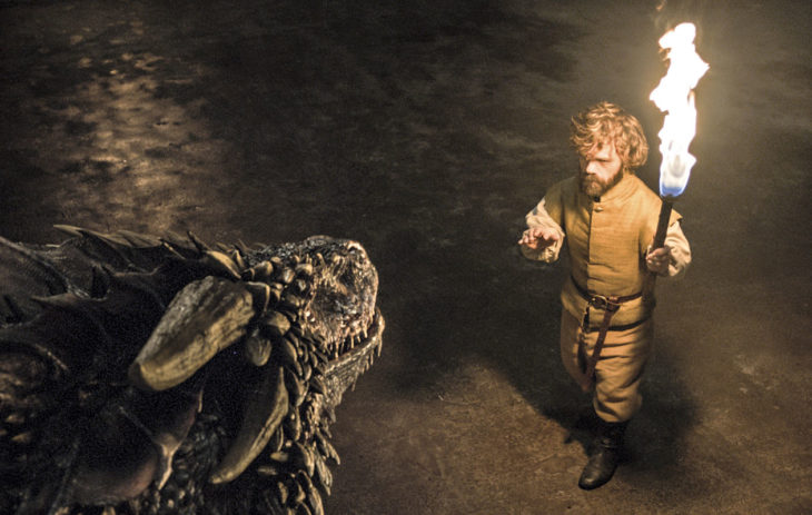 Pienikasvuinen Tyrion Lannister on selviytynyt kiperistäkin tilanteista älykkyytensä vuoksi.