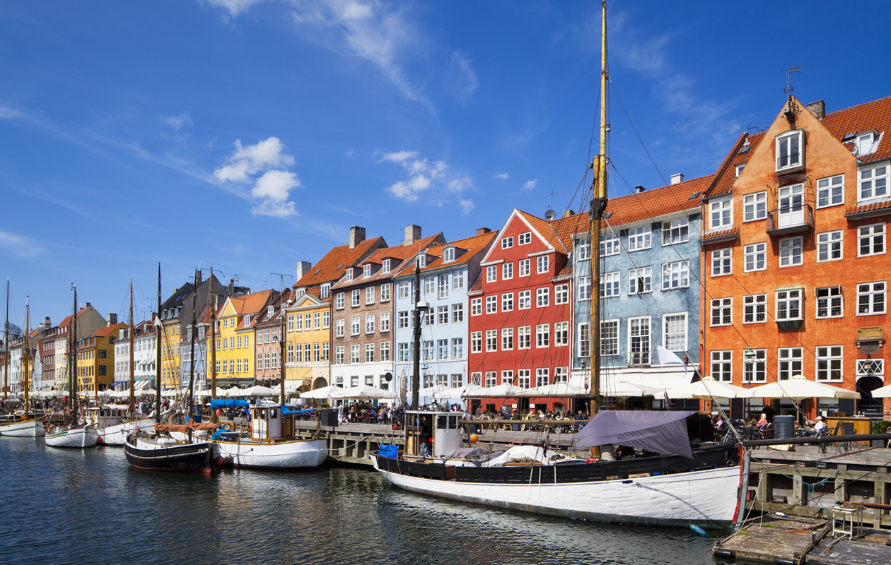 Kööpenhamina tunnetaan väreistään ja eläväisestä hengestään.