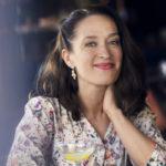 Elsa Saisio näyttelee naispääosaa Kummeli esittää: Kontio & Parmas -televisiosarjassa, jonka toinen tuotantokausi kuvattiin tänä keväänä.