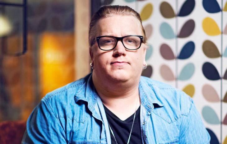 Tällaisessa hiustyylissä Arttu Wiskari on totuttu näkemään.