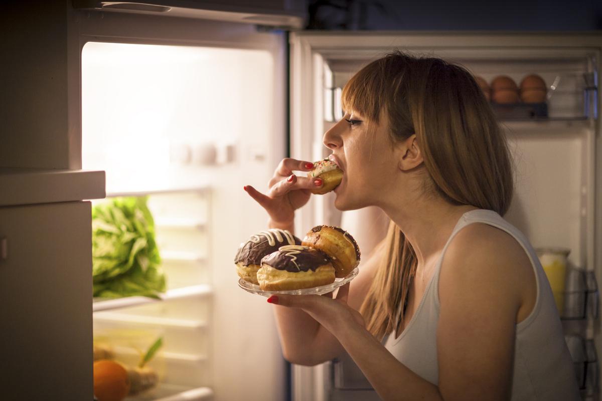 Monipuolinen ruokavalio on kaiken a ja o. Niin myös ikävien kuukautisoireiden ennaltaehkäisyssä.