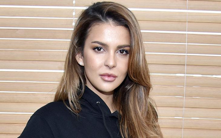Entinen Miss Suomi Sara Chafak on päättänyt olla puhumatta parisuhdeasioistaan julkisuudessa.