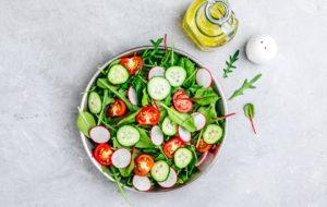 Kesäkuu on salaattien ja keittojen aikaa!