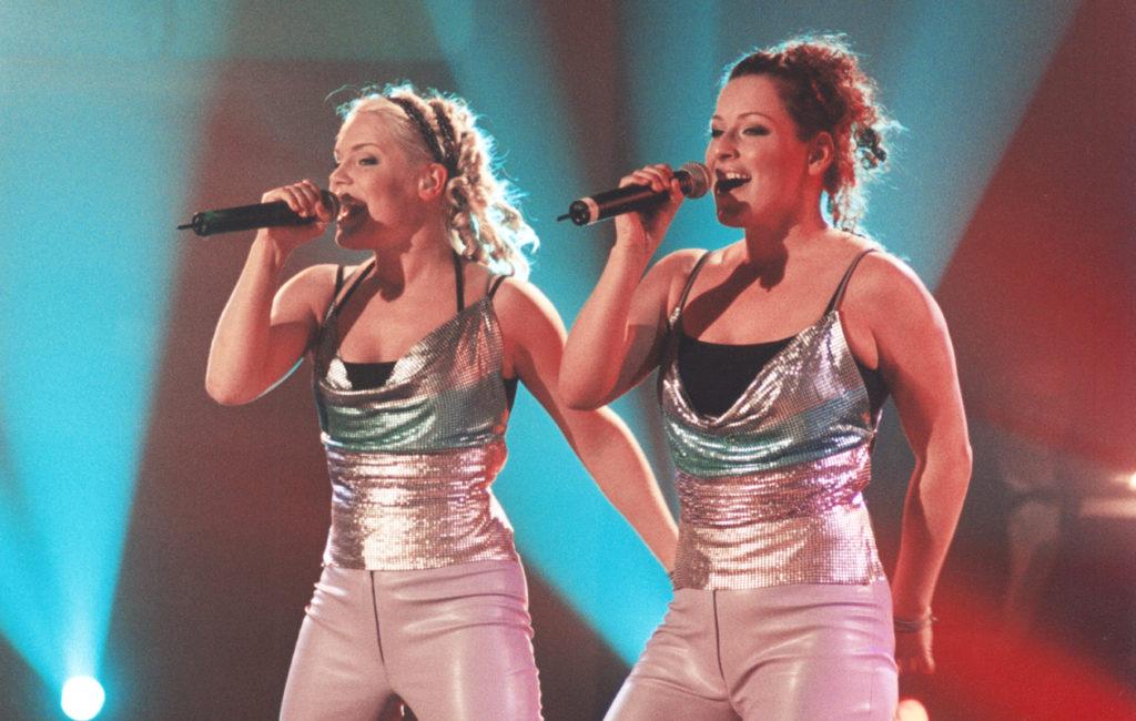 2000-luvun alussa Suomessa villitsivät muun muassa Nylon Beat, poikabändi The Rasmus sekä Darude Sandstorm-hitillään.