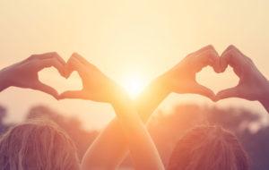 Rakkaushoroskooppi 2019: auringonpimennys heinäkuun alussa luo ravulle voimakkaan, normaalin arjen tunnelmat ylittävän jännitteen.