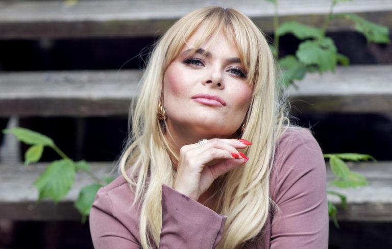 Tangokuningar ja laulaja Erika Vikman