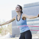 Hulavannetta voi opetella pyörittämään myös aikuisena. Ja se kannattaa: treenaaminen on harvoin ollut yhtä hauskaa!<br />