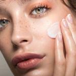 Normaali iho ei tarvitse ylimääräisiä tuotteita. Rasvaa poistava puhdistustuote ja kasvorasva riittävät.
