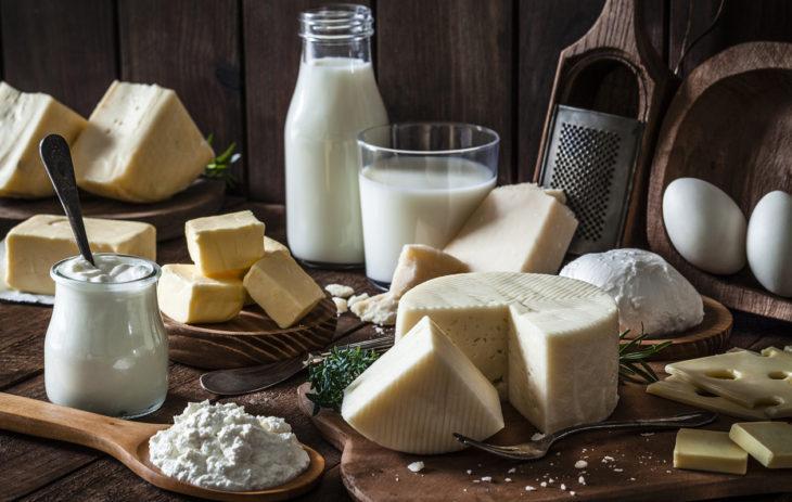 Maitoallergia aikuisella tarkoittaa usein muutoksia ruokavalioon.