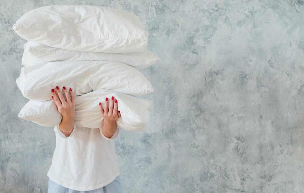 Tyynyliinoja kannattaa vaihtaa hieman useammin, jos esimerkiksi kasvojen epäpuhtaudet vaivaavat.