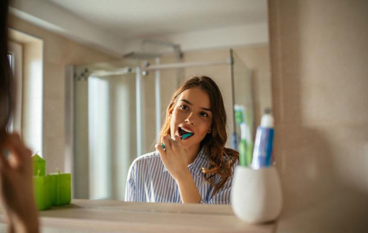 Hampaat kaipaavat pesua aamuin ja illoin.