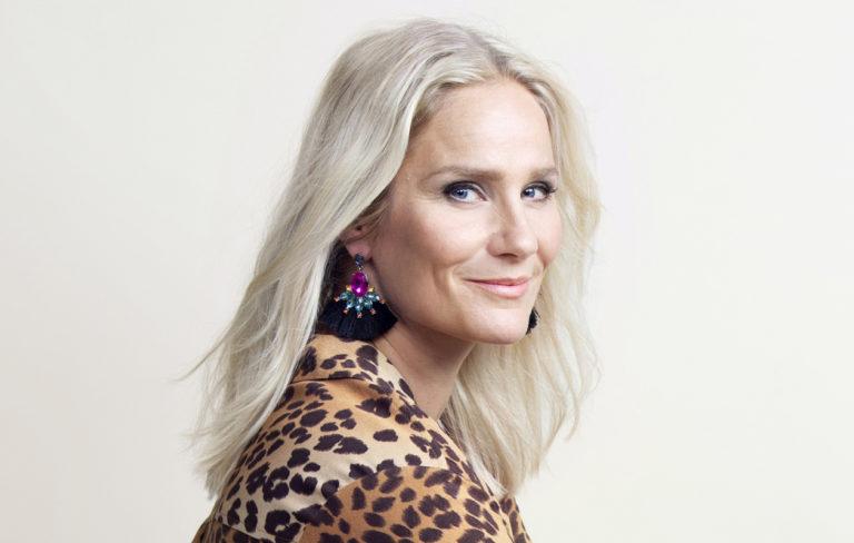Näyttelijä-valokuvaaja Laura Malmivaara