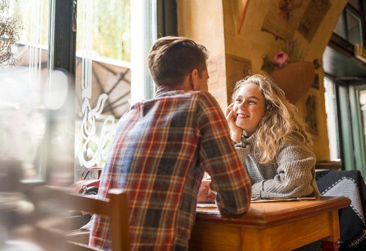 Todellinen rakkaus odottaa seurustelu Treffit ja ripustettu