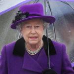 Kuningatar Elisabet tunnetaan hurmaavana isoäitinä.