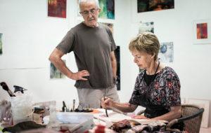 Eeva Tervala ja Juan Muro työskentelevät omissa ateljeetiloissaan, jotka ovat heidän kotinsa yhteydessä Espoon Laaksolahdessa.– Olemme aina tehneet töitä niin paljon kuin mahdollista. Vapaa-aikamme järjestyy työn mukaan, Eeva kertoo.