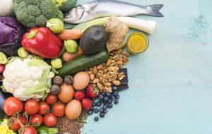 Rasvaa polttavat ruoka-aineet: Yksittäiset ruoka-aineet eivät polta rasvaa, mutta ne voivat tukea painonhallintaa esimerkiksi lisäämällä kylläisyyden tunnetta.