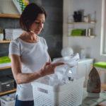 Vältteletkö valkoisia vaatteita tahrojen pelossa? Älä suotta, sappisaippua poistaa lian tehokkaasti myös valkoisista tekstiileistä.