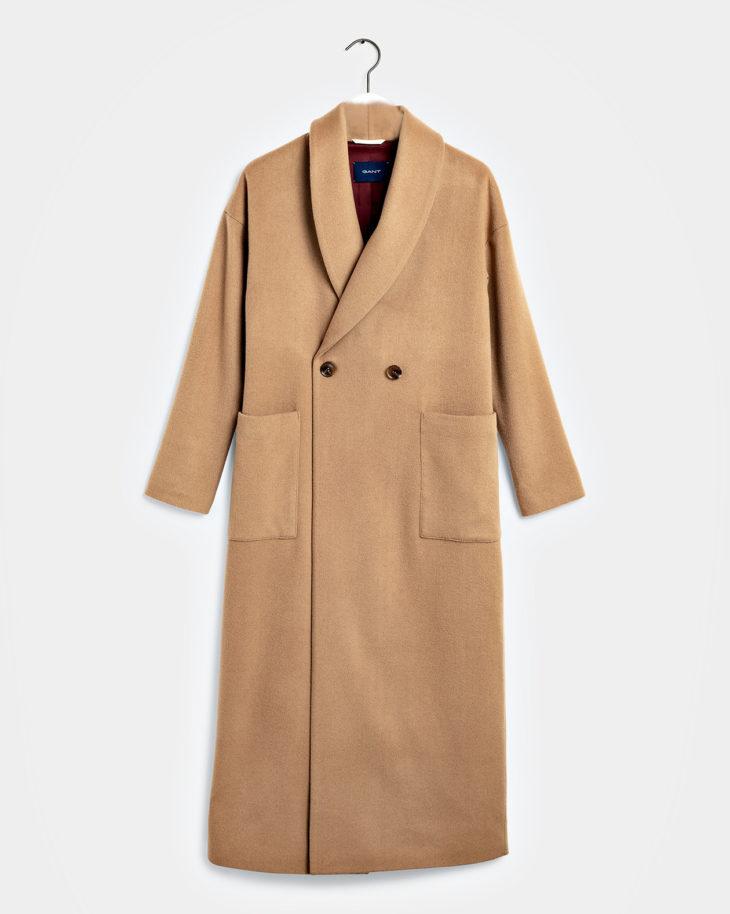 Takkikisa. Pitkä, kamelinvärinen saalikauluksinen takki, 569,90 e, Gant. Koot XS–XL.