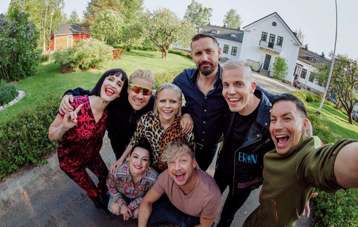 Samu Haber osallistui Vain elämää -ohjelmaan, puoliso ei ole mukana ohjelman artistien ryhmäkuvassa.