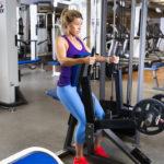 Hyvä kuntosaliohjelma laihduttajalle on sellainen, jonka treenaaja osaa tehdä oikein – katso helpot video-ohjeet alta.