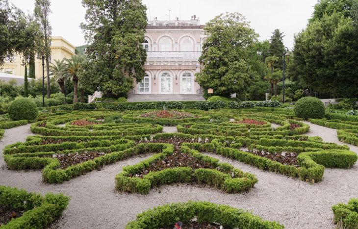 Krottia Istria puutarha