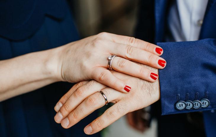 Yksi leskeneläkkeen saamisen reunaehdoista on avioitumisikä.