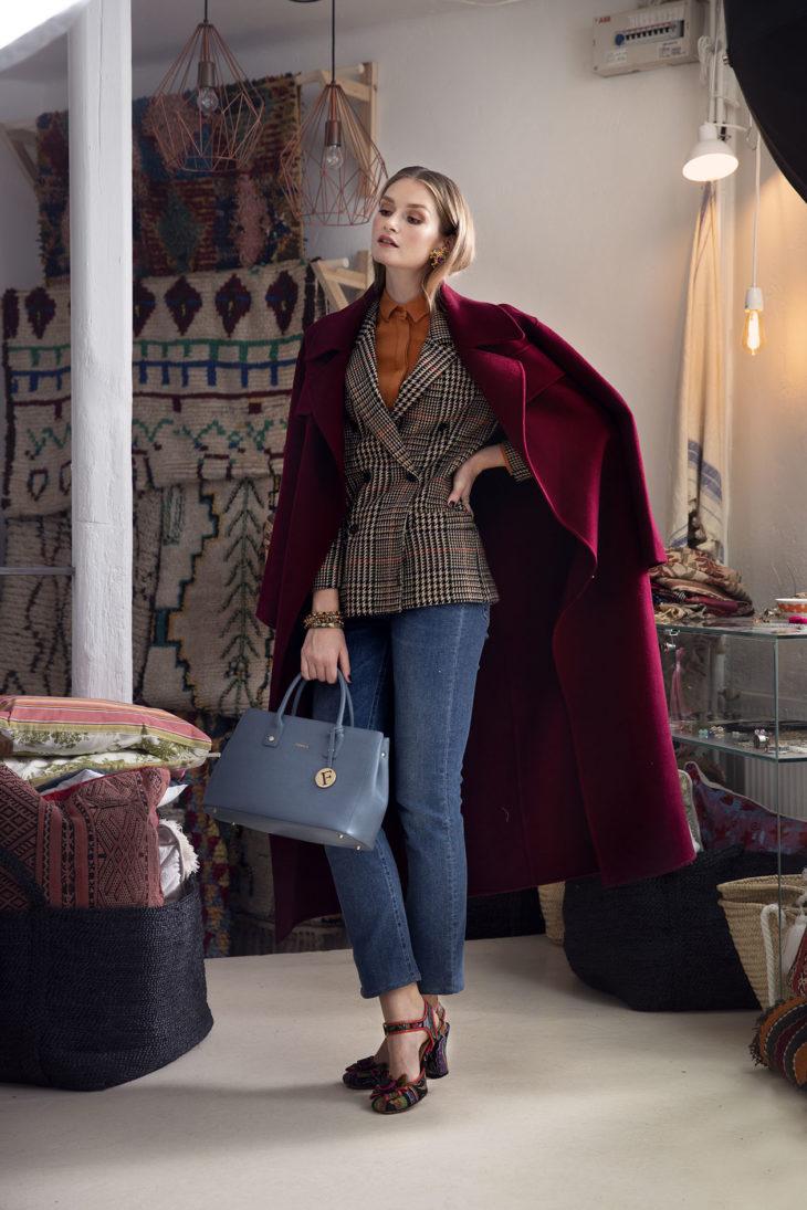 Ihana työasu koostuu kirpputorilöydöistä ja uudesta takista.