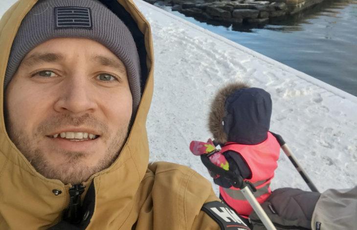 """""""Minulle tulee huono omatunto, jos iltaisin menen jonnekin ja tiedän, että puolisoni on kahden lapsen kanssa yksin kotona, vaikka hän pärjääkin mainiosti"""", Juuso kertoi Kaksplussan haastattelussa 2018."""