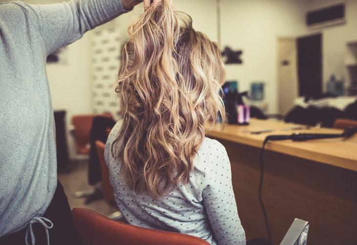 Hiusten vaalentaminen riippuu tukan kunnosta ja värin tummuusasteesta. Hiustyylin muutos vaatii usein aikaa ja kärsivällisyyttä.