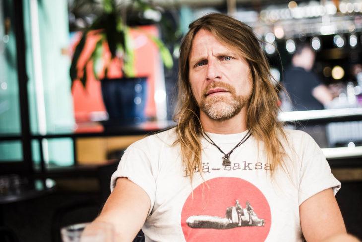 Jone Nikula suosittelee äijäkirjoja.