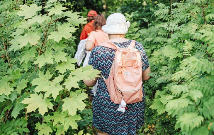 Neuvokkaat naiset -ryhmän yhteinen lenkki vie puistosta puistoon.