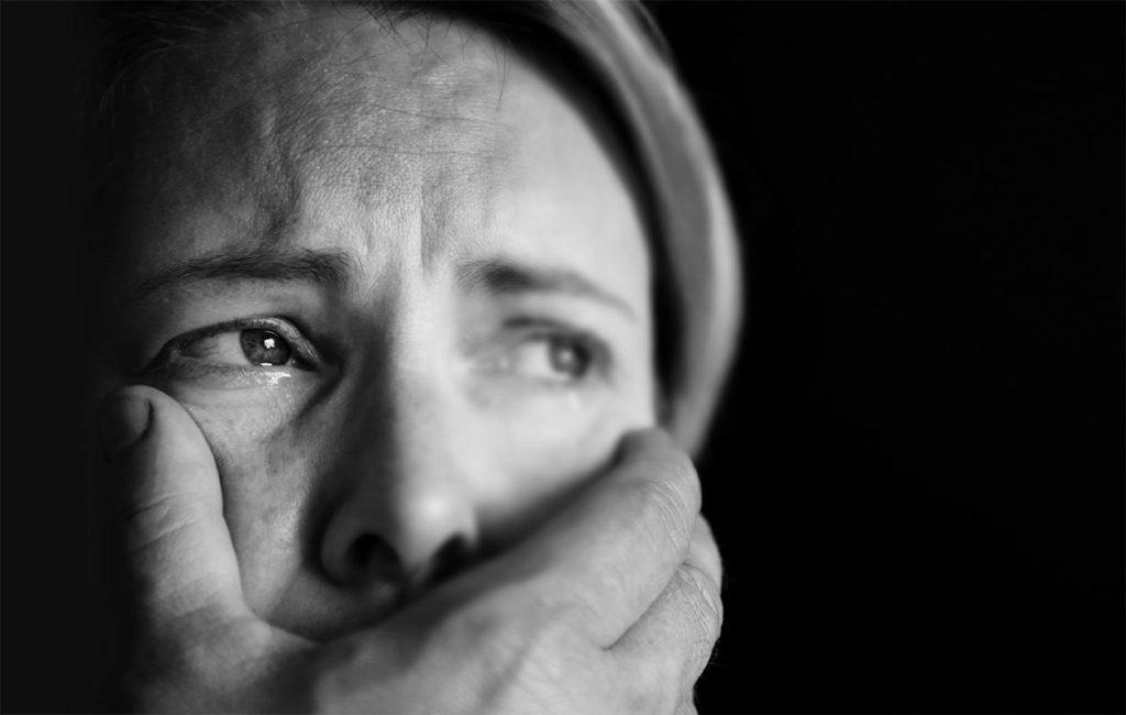 Lähisuhdeväkivallan kohteeksi joutunut Anu on miettinyt jälkeenpäin, oliko virhe antaa lasten tavata väkivaltaista isäänsä.