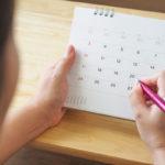 Synnytysten ja naistentautien erikoislääkäri suosittelee kaikkia naisia seuraamaan kuukautiskiertoaan.