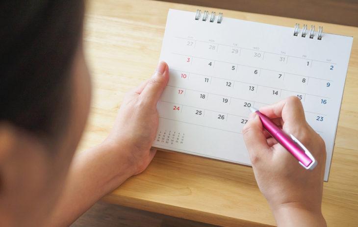 Synnytysten ja naistentautien erikoislääkäri suosittelee jokaista naista seuraamaan kuukautiskiertoaan.