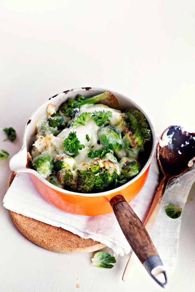 kasviksia ja juustoa
