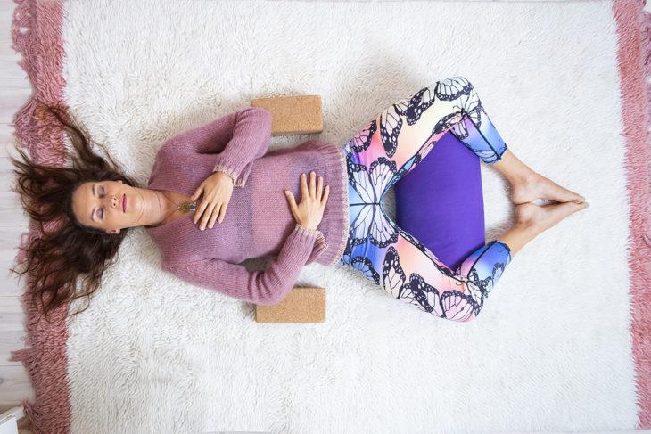 Tee rentoutusharjoitus illalla, jotta se vaikuttaa uneesi.
