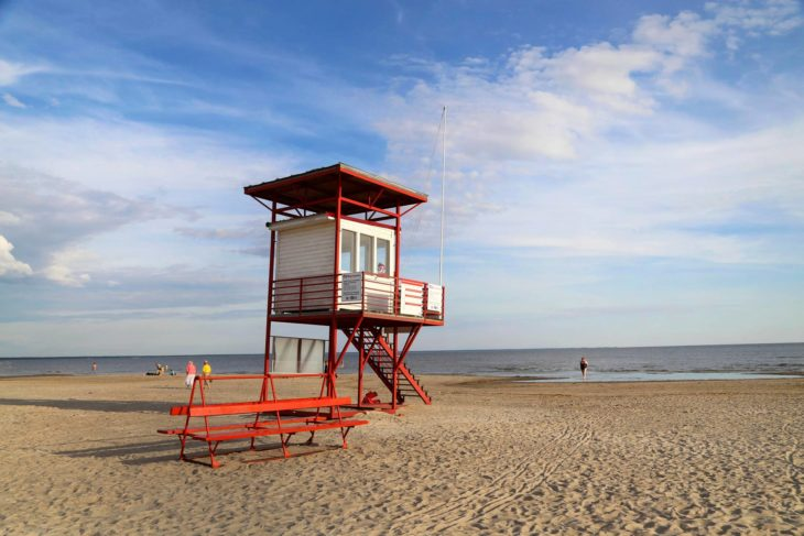 Pärnun rannalla ei ole syksyisin rantavahtia.