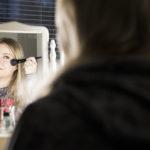 Maria Purmonen valitsee nykyisin itselleen meikkejä, joissa ei ole akrylaattia.