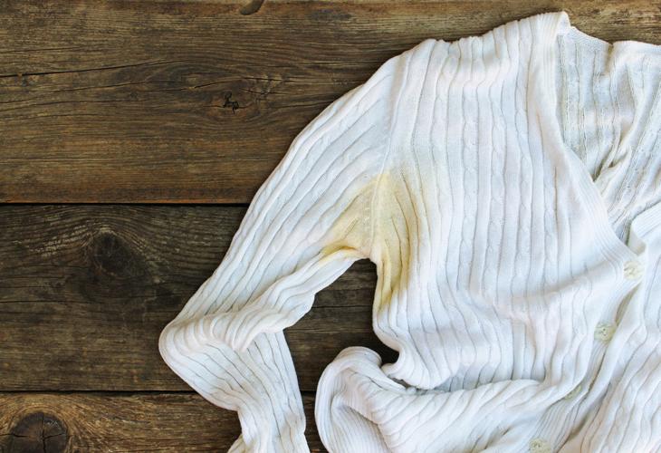 Deodoranttitahrat pois vaatteista nopeasti.