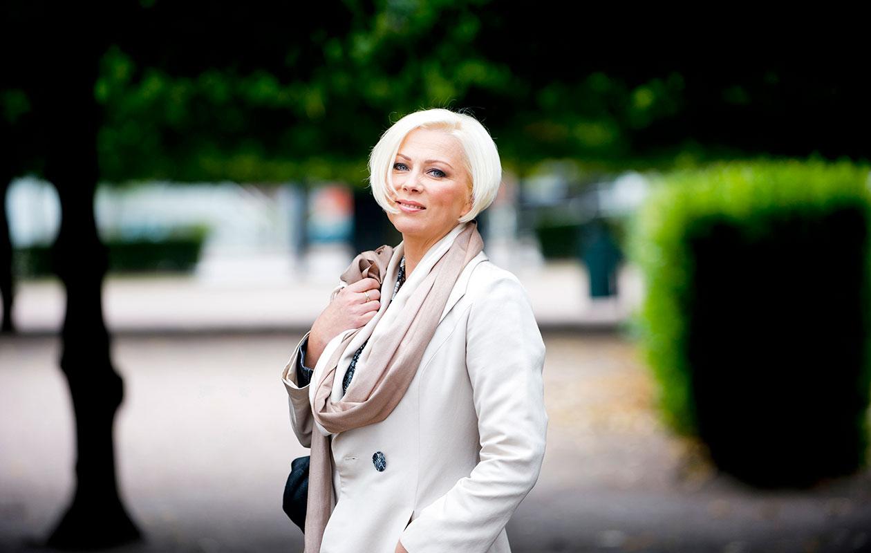 Helena Ahti-Hallberg kehotti Kia Lehmuskoskea hakemaan Tanssii tähtien kanssa -opettajaksi.