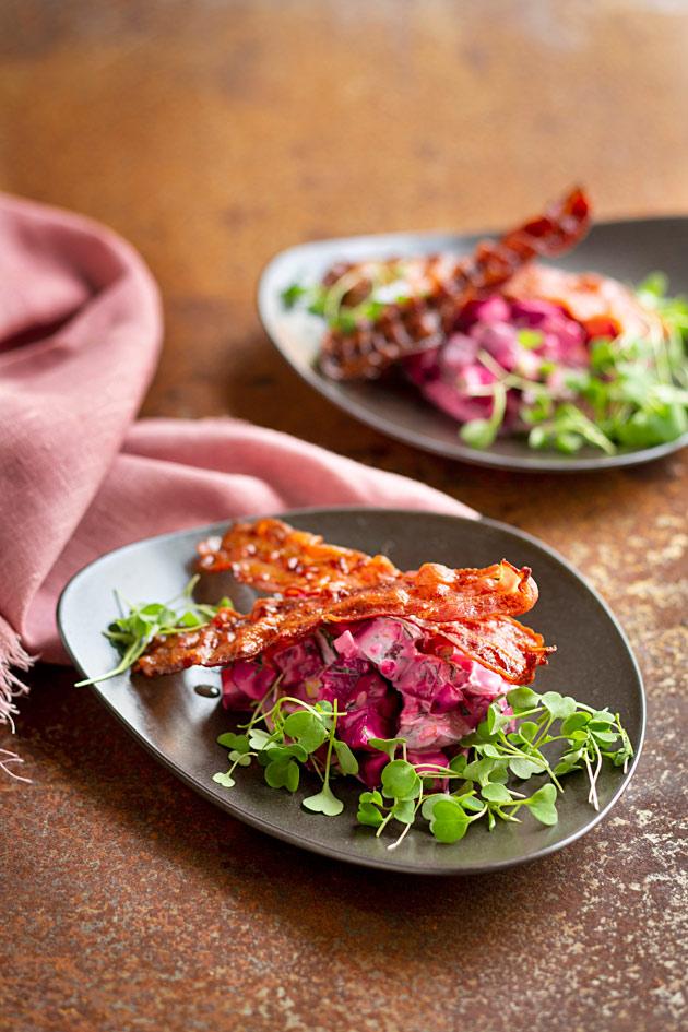 punajuuri-pekonisalaatti