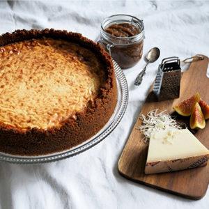 Suolainen paistettu juustokakku