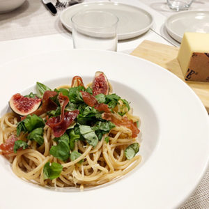 Parmankinkku-viikuna - spaghetti